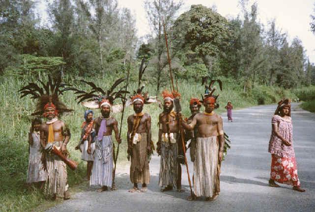 newguinea165.jpg (285309 bytes)