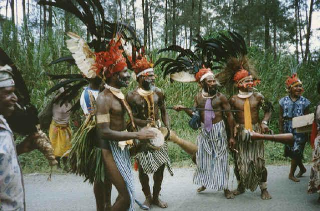 newguinea166.jpg (284829 bytes)