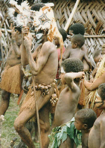 newguinea176.jpg (245960 bytes)