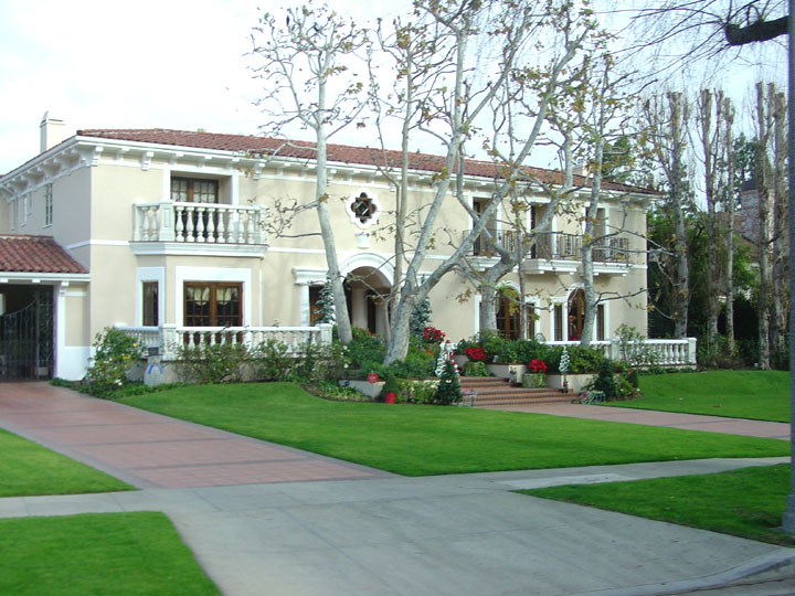 Movie star homes hollywood california travel photos by for Movie star homes beverly hills