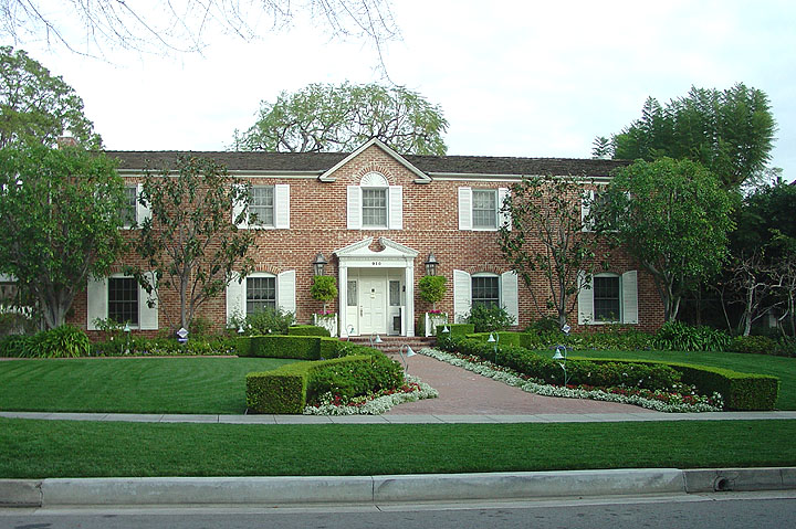 Movie star homes hollywood california travel photos by Homes of hollywood stars photos