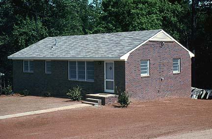 house.jpg (65259 bytes)
