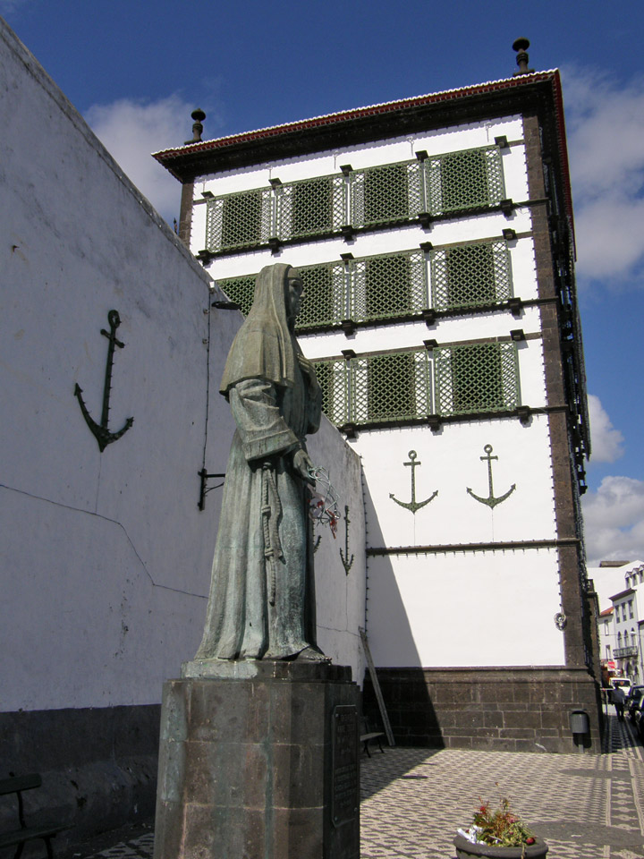 ponta delgada christian dating site Ponta delgada consisted of são miguel and santa maria, with the capital at ponta delgada on são miguel 20th century [ edit ] during the second world war , in 1943, the portuguese dictator salazar leased bases in the azores to the british.