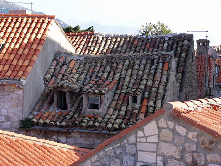 Old Roofs Which Survived The 1991-1993 Conflict