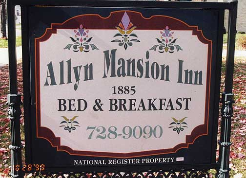 allyn_mansion01.jpg (77219 bytes)