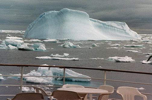 antarctica14.jpg (79835 bytes)
