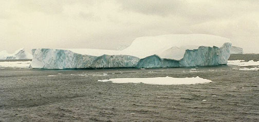 antarctica16.jpg (53036 bytes)
