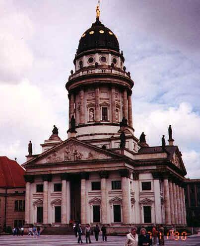 berlin6.jpg (82007 bytes)