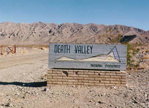 deathvalley.jpg (74749 bytes)