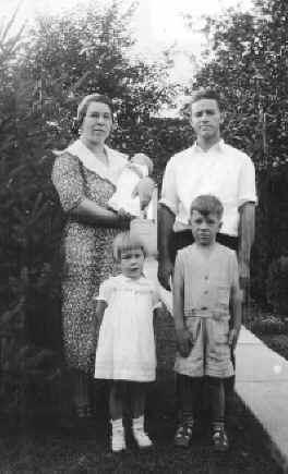 galenfamily01.jpg (110323 bytes)
