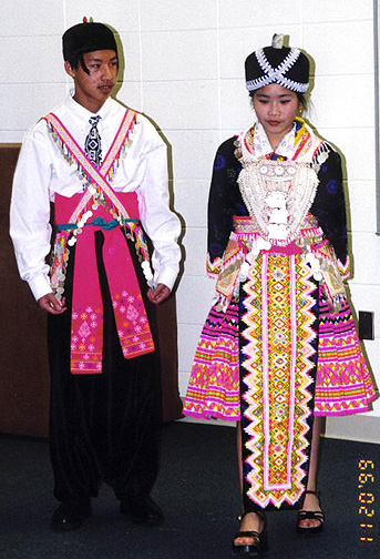 hmong00.jpg (150655 bytes)