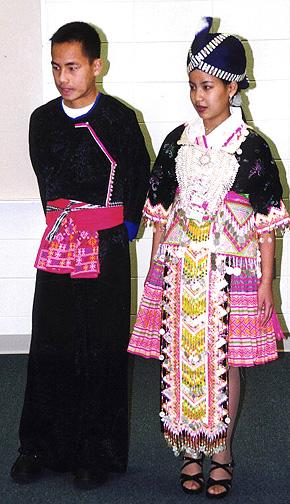 hmong08.jpg (127820 bytes)