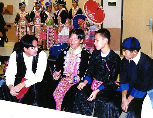hmong19.jpg (176587 bytes)