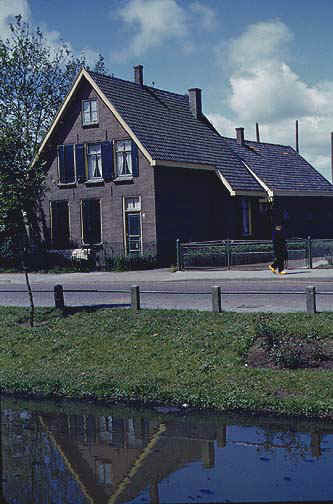 holland3.jpg (72655 bytes)