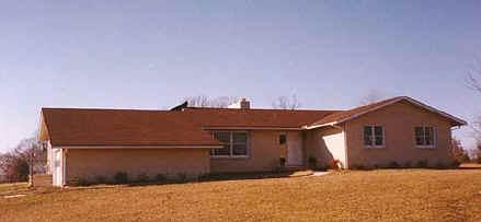 house9.jpg (37020 bytes)
