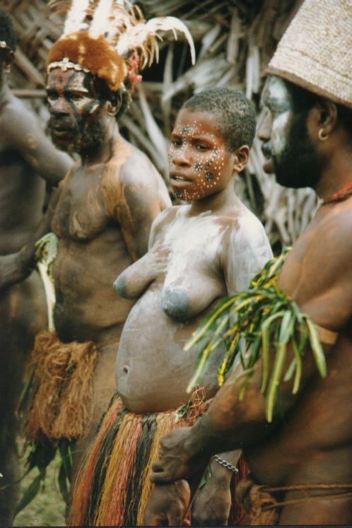 newguinea139.jpg (197251 bytes)