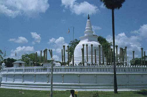 srilanka1.jpg (57642 bytes)