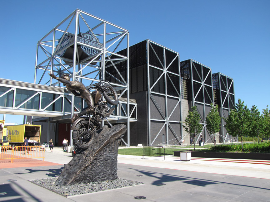 Harley davidson museum milwaukee wisconsin travel for Motor harley davidson museum