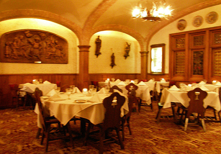 Mader's Restaurant, Old Town Milwaukee, Wisconsin - Travel ...