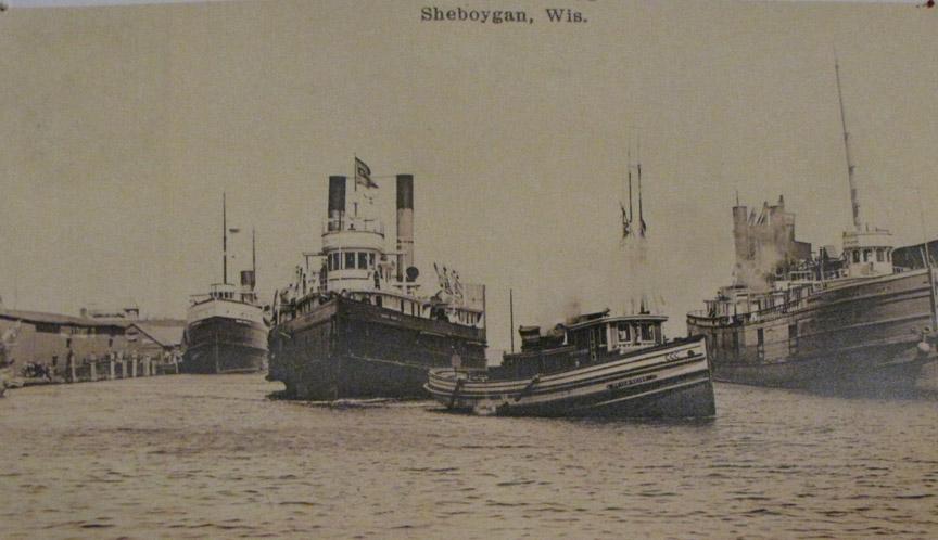 Kohler News: Unloading coal at Reiss Docks, April 1918